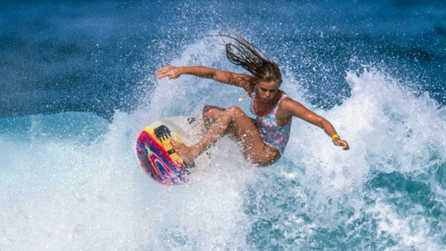 Girls Can't Surf (2020)
